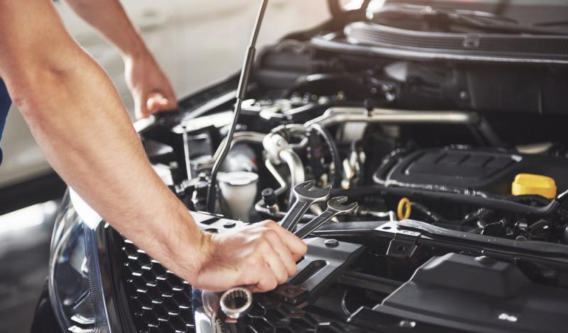 ما الذي تعرفه من معلومات حول الصيانة الدورية للسيارة؟